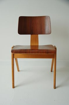 Hille stak chair by Robin Day