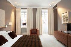 mur choco avec rideaux ecru