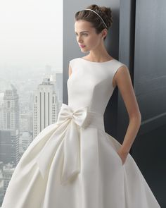 8A145 RHODESIA | Wedding Dresses | 2015 Two Collection | Rosa Clara | Mikado dress, with side pockets and wide pleated waistband with large tied up bow, in natural colour. (Close up)