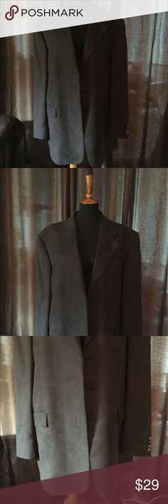 Ruffini Italian Made Cashmere Blend Jacket - 48L Deep grey Cashmere blend suit jacket. Three buttons on the front. Lined jacket. In great condition. Size is 48L. All items have been pre owned, lightly used, NWOT or NWT. They come from a smoke free home. I can not promise items are in perfect condition but they have been cared for extremely well. If there are issues please read the description and look at the images posted. If you have questions please ask. Thank you! Ruffini Suits & Blazers…