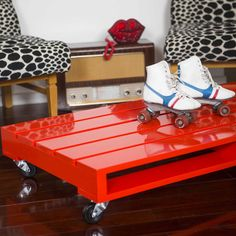 Pallet style coffee table - red