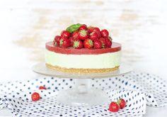 Mansikka-basilikakakku Vanilla Cake, Basil, Cheesecake, Strawberry, Desserts, Food, Cheesecake Cake, Postres, Deserts