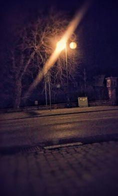 W ciemności piękniej lecz tego nie dostrzegamy. Każdy powinien dostrzegać każde piękno.