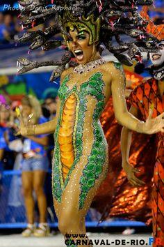 Carnaval de Rio. Toutes les photos sur www.carnaval-de-rio.fr Samba, Rio Carnival, Photos Du, Pretty, Style, Fashion, Suits, Dance, Swag