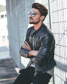 51 Leather Jacket Outfit Ideas For Men Style Mariano Di Vaio Leather Jacket Outfits, Men's Leather Jacket, Denim Jacket Men, Leather Men, Leather Jackets For Men, Men's Jacket, Mdv Style, Men's Style, Photography Poses For Men