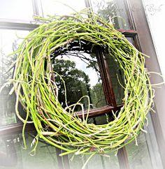 how to make a vine wreath