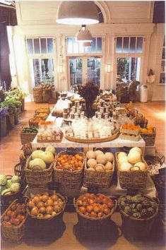 bakery and gourmet shop from the It's Complicated movie Its Complicated House, Farm Store, Store 3, Organic Market, Fruit Shop, Fruit Displays, Store Displays, Bakery Cafe, Shop Interiors