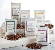 Dean & Deluca coffee packaging -The Dieline- clean and settled. Coffee Uses, Coffee Type, Coffee Aroma, Coffee Packaging, Different Recipes, Coffee Break, Mochi, Java, Gourmet Recipes