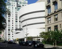 Solomon R. Guggenheim Museum with neighbors. love the contrast Organic Architecture, Art And Architecture, Architecture Details, Places Around The World, Around The Worlds, Light My Fire, Frank Lloyd Wright, New York City, Solomon
