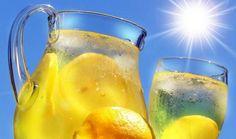 Se stai cercando un trucco rapido per migliorare la tua salute, lo hai già trovato. Bere ogni giorno un bicchiere di acqua e limone è infatti una prassi che ha straordinari effetti su tutto l'organismo.