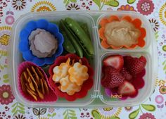 Great lunch ideas from a favorite blog! Biting The Hand That Feeds You: MOMables Monday - A Flower-y Twist on some MOMables Classics!