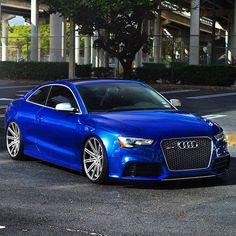 Sexy Audi RS5..love the color and wheels combo. Tastefully done..