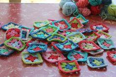 little woollie: little granny squares (love)
