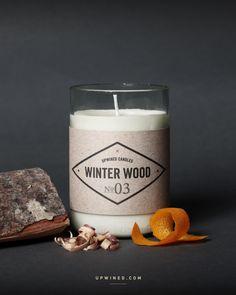 Upwined Candles Duftkerzen Winter Wood in einer alten Weinflasche