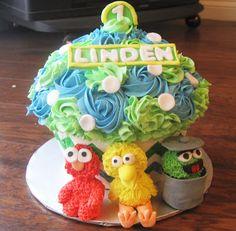 Little Bow Sweets: September 2012 Sesame Street Cupcakes, Sesame Street Cake, It's Your Birthday, Birthday Ideas, Birthday Parties, Birthday Cake, Cake Smash, Cake Pops, Coloured Icing