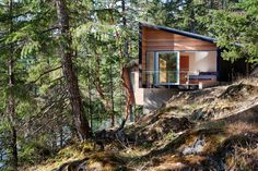 Gambier Island Retreat | Howe Sound near Vancouver, British Columbia, Canada | Battersby Howat Architects
