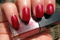 Cube de 14 vernis (71618) : red y or not  http://www.eyeslipsface.fr/produit-beaute/cube-14-vernis--edition-limitee