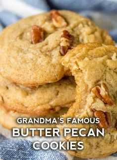 Chewy Butter Pecan Cookies - - Chewy Butter Pecan Cookies Cookie Recipes As you may have guessed, they're packed with plenty of butter and pecans, and they're absolutely amazing. Cake Mix Cookie Recipes, Butter Cookies Recipe, Best Cookie Recipes, Yummy Cookies, Sweet Recipes, Baking Recipes, Butter Pecan Cake, Cake Cookies, Pecan Recipes