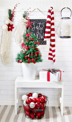 2015-christmas-home-tour-31 - Love the assorted a balls in the wire basket instead of a glass jar...I might want a gold basket however.