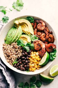 Shrimp Avocado Burrito Bowls Blackened Shrimp Avocado Burrito Bowls are the perfect way to ring in the New Year with big bold flavor and .Blackened Shrimp Avocado Burrito Bowls are the perfect way to ring in the New Year with big bold flavor and . Lunch Snacks, Clean Eating Snacks, Healthy Eating, Clean Eating Shrimp, Eat Lunch, Eating Raw, Healthy Life, Pescatarian Diet, Pescatarian Recipes
