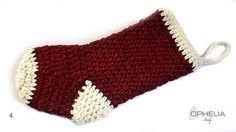 Viva Viva la Befana... ecco come realizzare delle graziose calze all'uncinetto