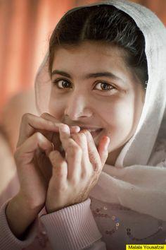 Malala Yousafzai, Premio Nobel de la Paz en el 2014. Estudiante y bloguera paquistaní, es la persona más joven que ha recibido este premio a los diecisiete años. Es inspiración para escribir y hacer película sobre la vida de ella.