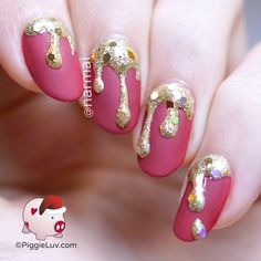 Glitter is dripping from my cuticles, I am bleeeeding Christmas! There's no complicated freehand involved so come check out the tutorial!