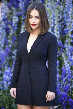 Emilia Clarke blazer vestido