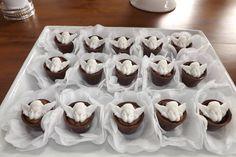 Doces Para Batizado | Culinária - Cultura Mix Cake Pops, Holi, Pudding, Angel, Party, Desserts, Mix, Confirmation, Girl Christening