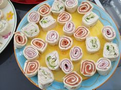 Aperitif Wrap - Easy And Healthy Recipes Tapas, Pumpkin Spice Cupcakes, Wrap Sandwiches, Fall Desserts, Cream Recipes, Finger Foods, Eat Cake, Coco, Kids Meals