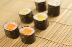Verschiedene #vegane Sorten Maki #Sushi - mit Möhre Gurke und eingelegtem Kohlrabi.