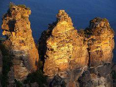 The Three Sisters, Blue Mountains, Australia ^^
