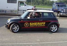 Mini on patrol Funny Police Pictures, Funny Photos, Radios, Emergency Vehicles, Police Vehicles, Cruiser Car, Old Police Cars, 4x4, Police Patrol