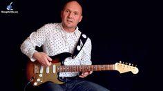 Eine stilvoll und häufig eingesetzte Technik im Blues sind die Harmonics, insbesondere an der E-Gitarre. Wie man sie spielt und wo - im heutigen Video: