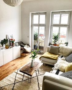 Apartment Decorating Living Room Galley - 20 best small apartment living room decor and design ideas Small Apartment Living, Small Living Rooms, Living Room Designs, Modern Living, Coffee Table For Small Living Room, Small Apartments, Living Area, White Apartment, Minimalist Apartment