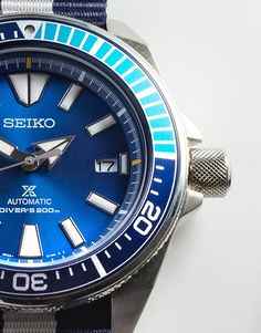 Starting the day off with a Wrist Time Review of the Seiko Prospex Blue Lagoon Samurai SRPB09 Limited Edition introduced earlier this year.