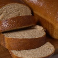 Homemade Whole Wheat Bread - The most AMAZING wheat bread recipe that guarantees each slice will be soft, fluffy and baked to perfection. Top with a dollop of butter and drizzle of honey and you have yourself a game changer! Healthy Bread Recipes, Gourmet Recipes, Baking Recipes, Healthy Homemade Bread, Homemade French Bread, Kitchen Aid Recipes, Tortillas, Best Whole Wheat Bread, Honey Wheat Bread