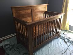 Crib I made for my first child. It has been in use for three months now. Crib I made for my first child. It& The post Crib I made for my first child. It has been in use for three months now.tt/& appeared first on Curran Carpentry. Diy Furniture Plans, Woodworking Furniture, Baby Furniture, Teds Woodworking, Woodworking Machinery, Baby Crib Diy, Best Baby Cribs, Baby Bassinet, Baby Baby
