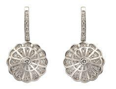 #Aretes Afrodita en Oro Blanco y #Diamantes de #CarrerayCarrera #Diamonds #Earrings #Jewelry #Joyas #Fashion #Moda