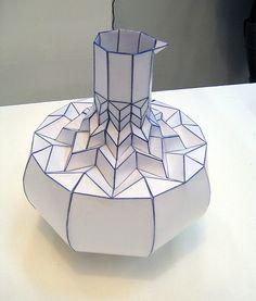 paper_vases_romy_kuhne_2.jpg