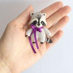 Купить Брошка Енот - мишка крючком, вязаный мишка, мини игрушка, миниатюра, мишка в одежке: