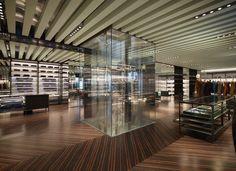 Love Design: Prada rinnova il design della sua boutique milanese di via Monte Napoleone