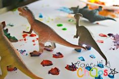 Dinosaur Stomp Painting: Fun process art project for toddlers, preschoolers, and elementary aged children. This is an EASY kid craft to use during a dinosaur theme week.