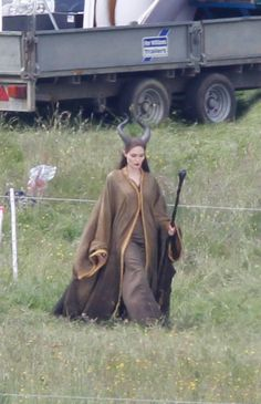 Spotted on Set: Angelina as Maleficent…