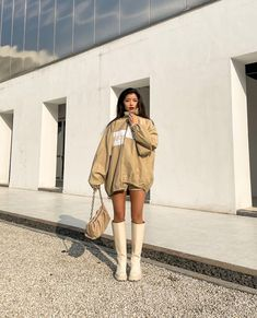 Kpop Fashion Outfits, 2000s Fashion, Suit And Tie, Aesthetic Clothes, City Aesthetic, Asian Style, Winter Season, Instagram Fashion, How To Look Pretty
