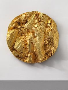 The Golden Section The Golden Section ombre for black hair dark skin - Ombre Hair Wall Sculptures, Sculpture Art, Gold Aesthetic, Angel Aesthetic, Contemporary Ceramics, Contemporary Artists, Gold Texture, Gold Leaf, Installation Art