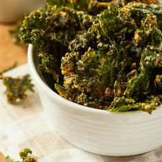 Kale Chips are healthy and tasty! Check out these 15 ways to make kale chips.
