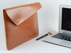 Apple Macbook air And Apple Macbook Pro with Retina Slim Sleeve Carrying Case for Mac book Laptop in top leather with shoulder strap