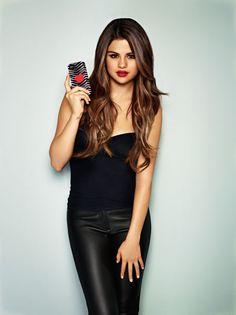 Selena Gomez:: her hair!!