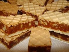 Prajitura cu foi de napolitane si crema caramel Romanian Desserts, Romanian Food, No Cook Desserts, Mini Desserts, Recipe Using Caramels, Cake Recipes, Dessert Recipes, Caramel Recipes, Just Cakes